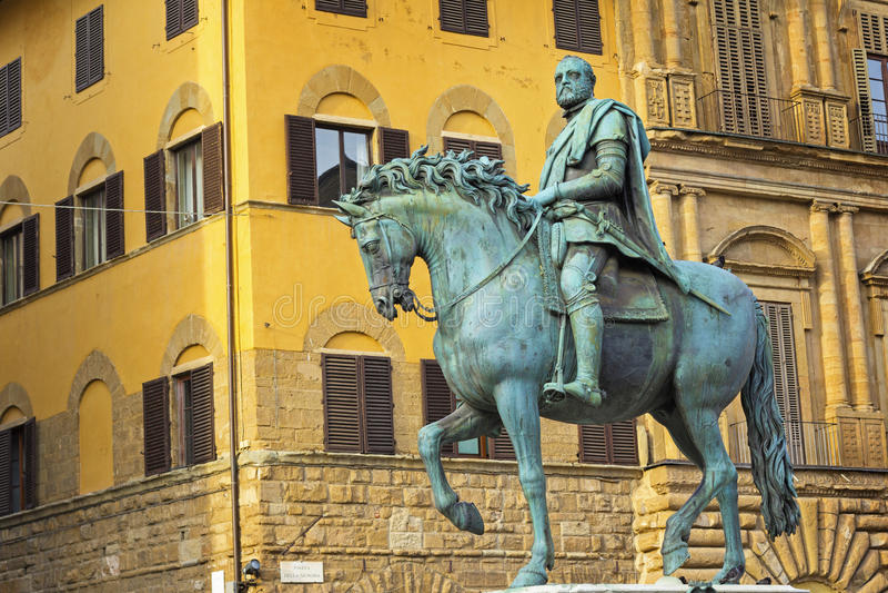 Statue von Cosimo I de Medici stockfotografie