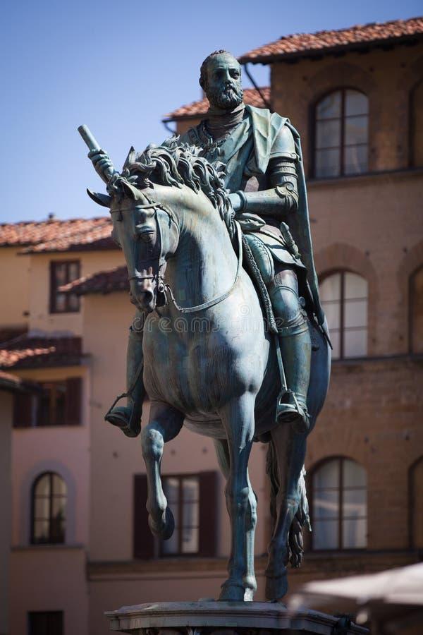 Statue von Cosimo I de Medici, Florenz lizenzfreie stockfotos