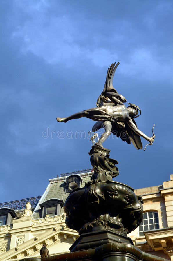 Statue von Eros an Picadilly-Zirkus, London stockbilder