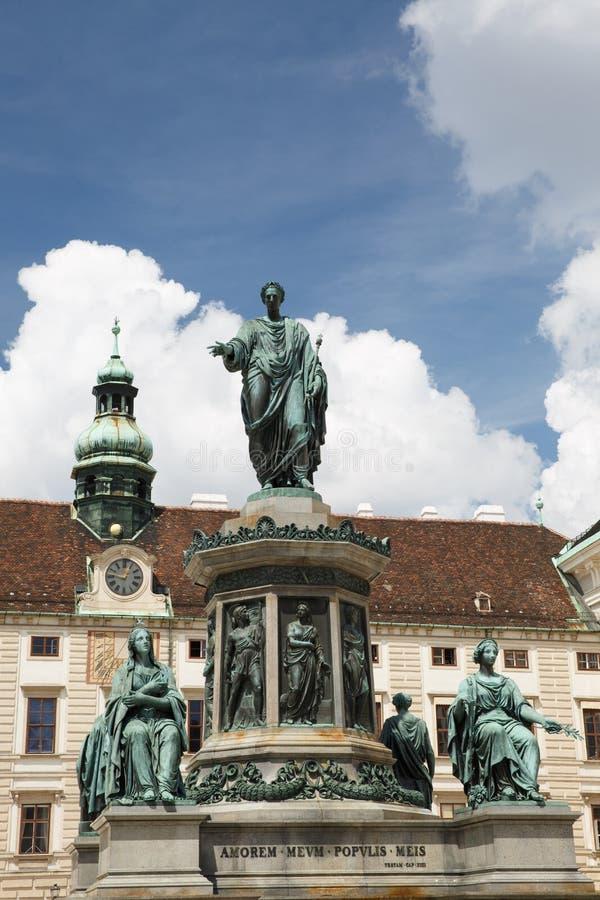 Statue von Francis II, Roman Emperor im Hofquadrat in t lizenzfreie stockfotografie