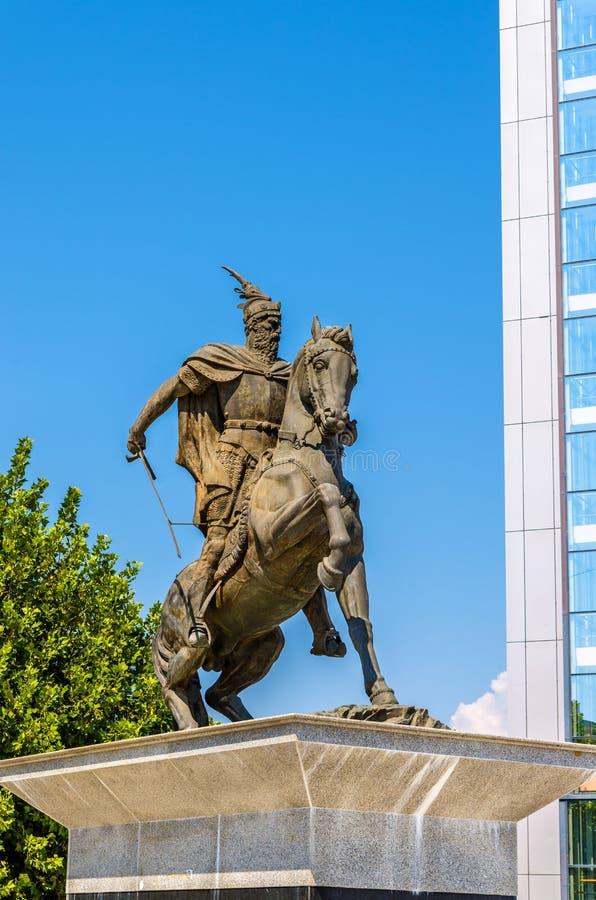 Statue von George Kastriot in Pristina lizenzfreie stockfotos