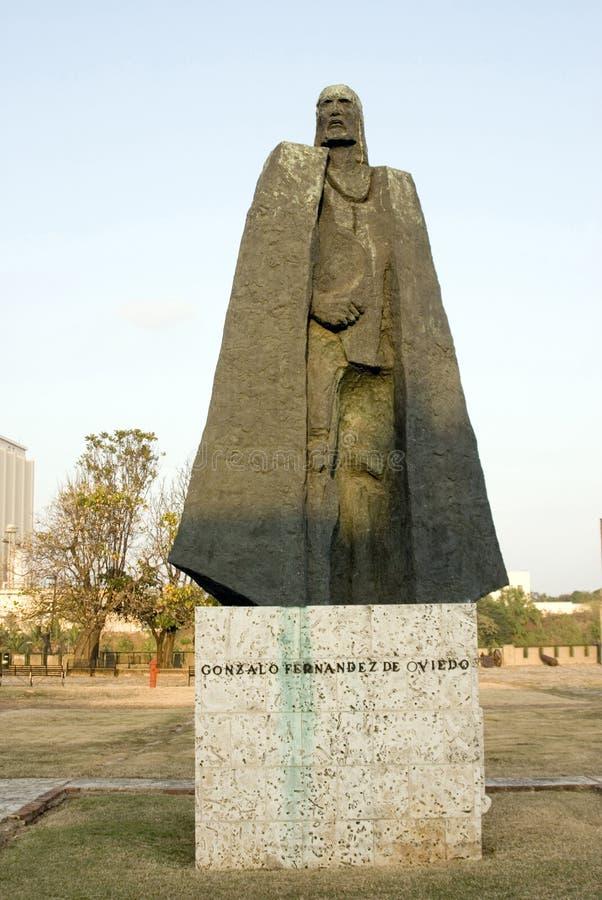 Statue von Gonzalo Fernandez lizenzfreie stockbilder