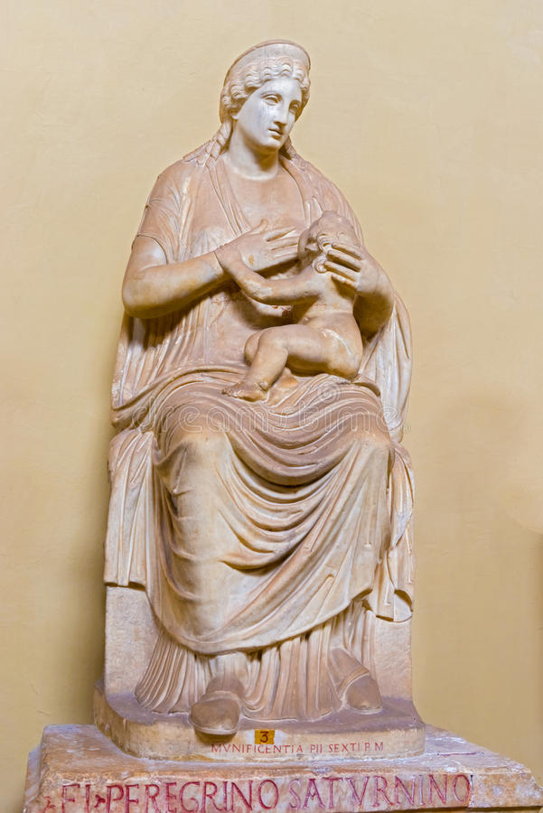 Statue von Isis in Vatikan-Museum stockfotografie