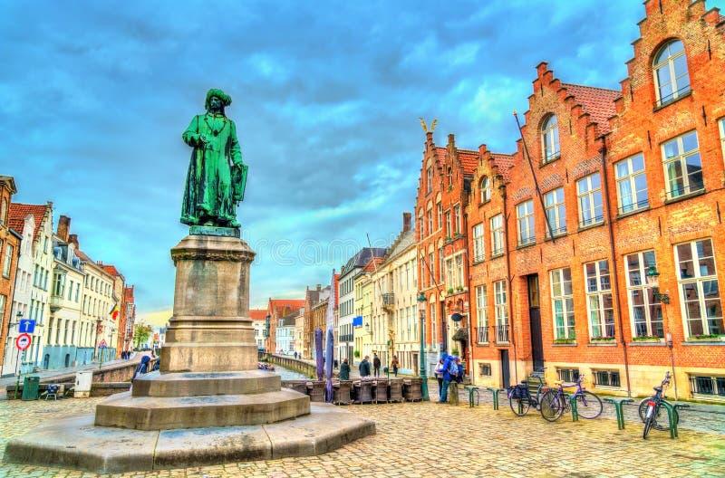 Statue von Jan van Eyck, ein früher Netherlandish-Maler in Brügge, Belgien stockfoto