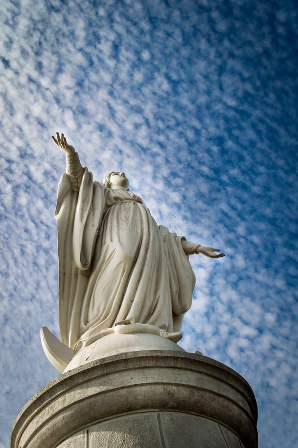 Statue von Jungfrau Maria lizenzfreies stockbild