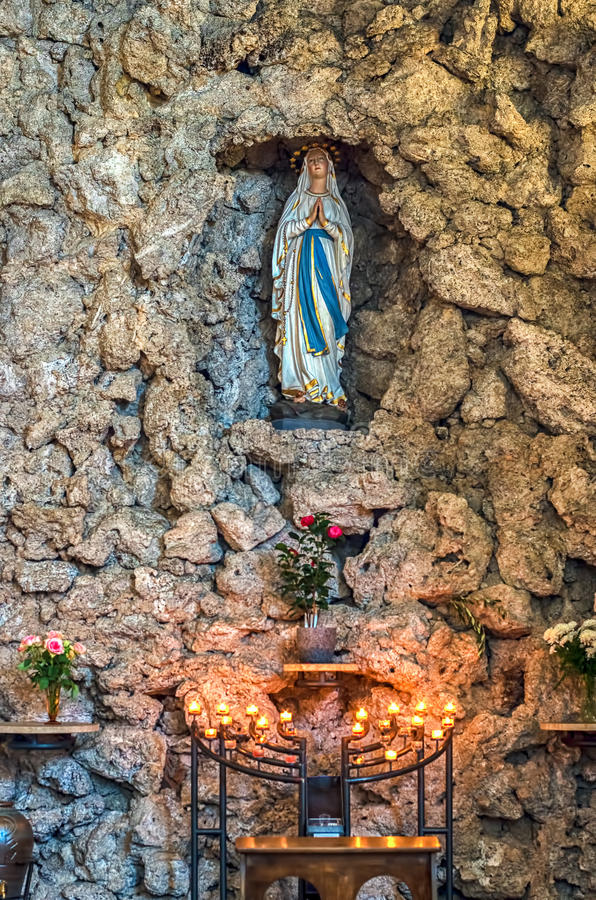 Statue von Jungfrau Maria stockfoto