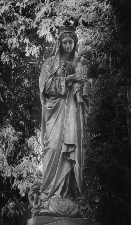 Statue von Jungfrau Maria mit dem Baby Jesus Christ stockfoto