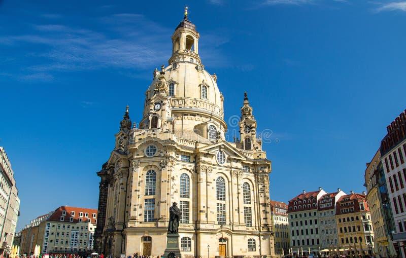 Statue von Martin Luther vor lutherischer Kirche, Dresden, GE lizenzfreie stockfotografie