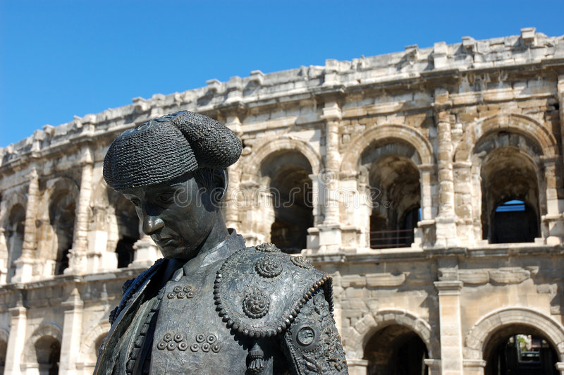 Statue von Matador in Nimes lizenzfreies stockfoto