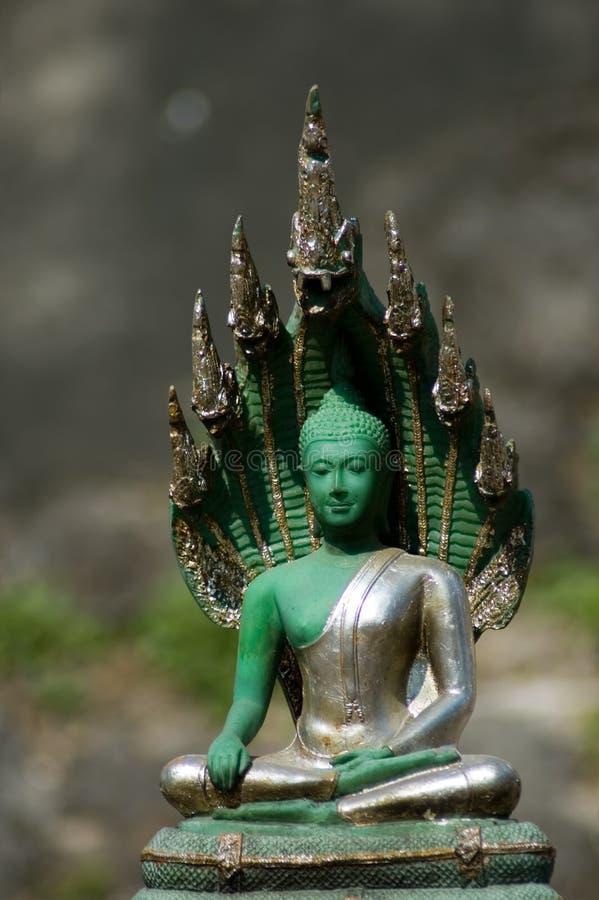 Statue von Smaragdbuddah - flacher Fokus stockbild