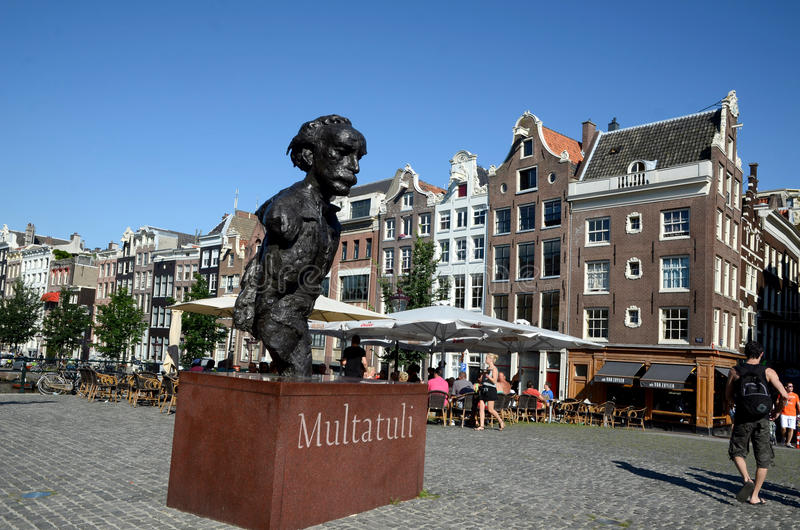 Download Statue Of The Writer Multatuli At The Torensluis Editorial Photography - Image of amsterdam, baroque: 28556277