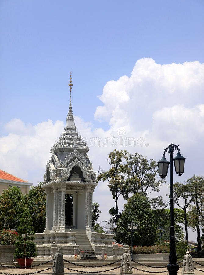 Statue Yeay Penh lizenzfreie stockfotografie