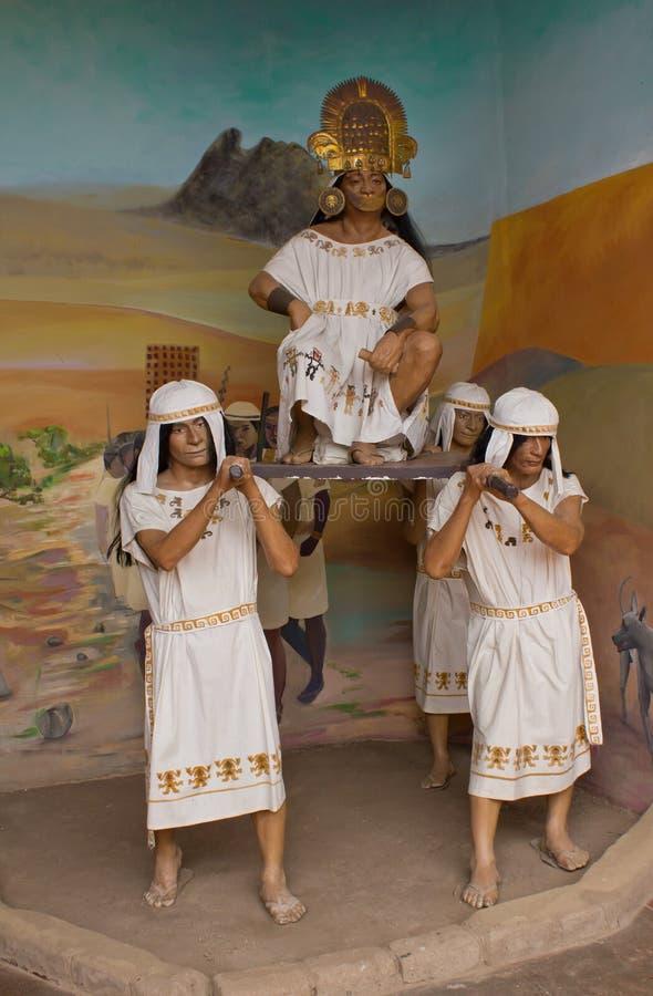 Statuen bei Chan Chan Museum, Peru lizenzfreie stockbilder