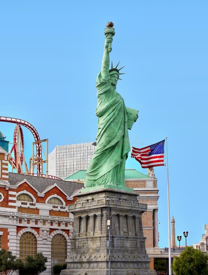 Statuen-Freiheit, USA-Flagge, New- Yorkhotel-Kasino, Las Vegas lizenzfreies stockfoto