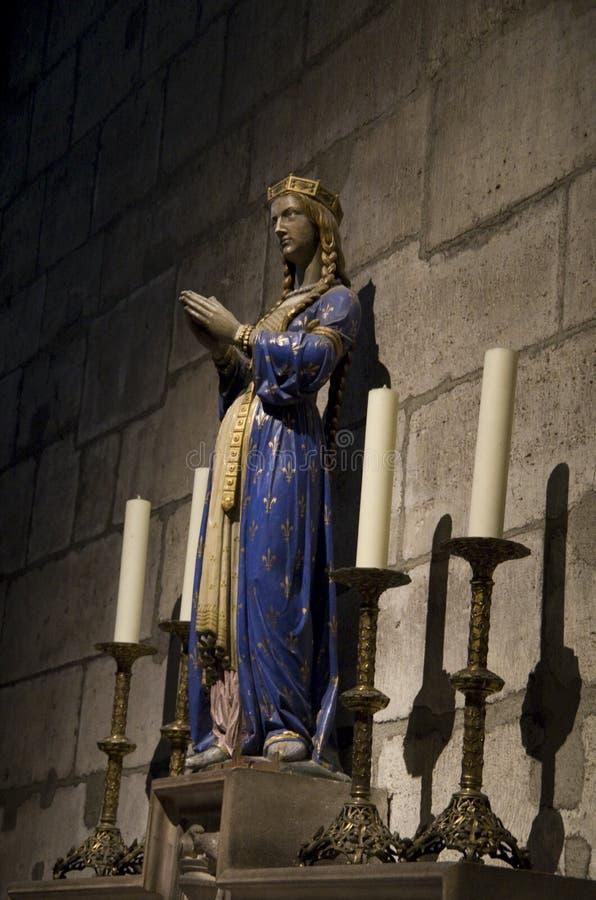 Download Statuen Im Notre-Dame De Paris Redaktionelles Foto - Bild von wadenetz, frühling: 90228491