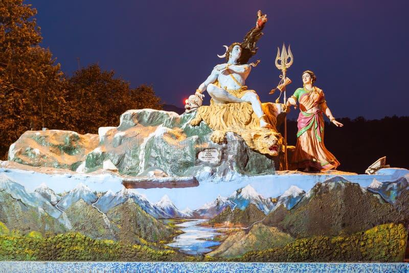 Statuen in Rishikesh stockbild