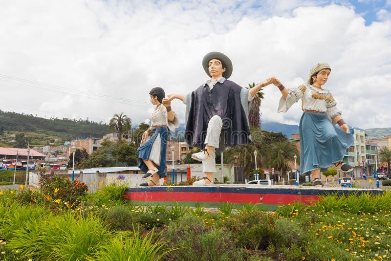 Statuen von Tänzern in der typischen Kleidung Otavalo lizenzfreies stockbild