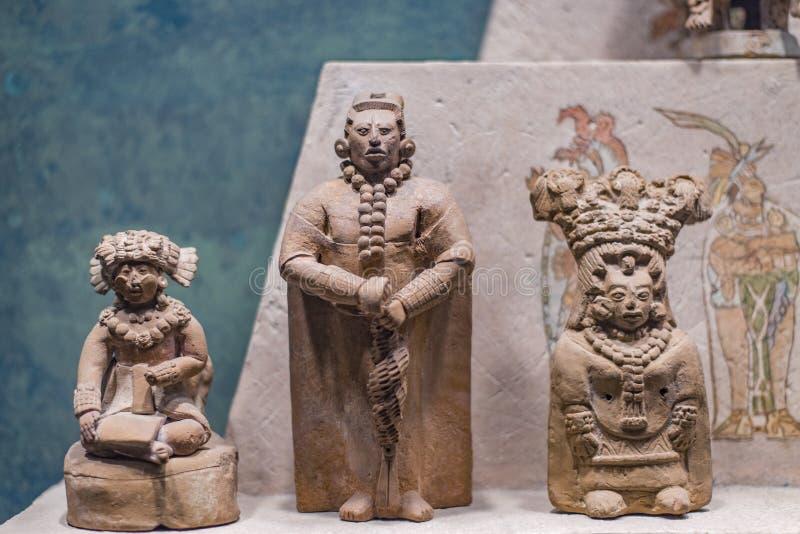 Statuenzahlen aufgewiesen im Nationalmuseum von Anthropologie, Mexiko City lizenzfreie stockfotos