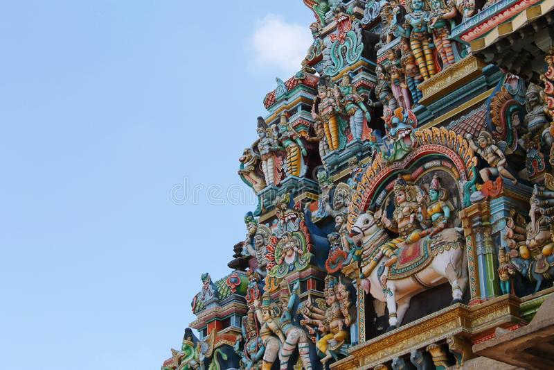 Statues à la tour du temple de Madurai Meenakshi Amman photo libre de droits