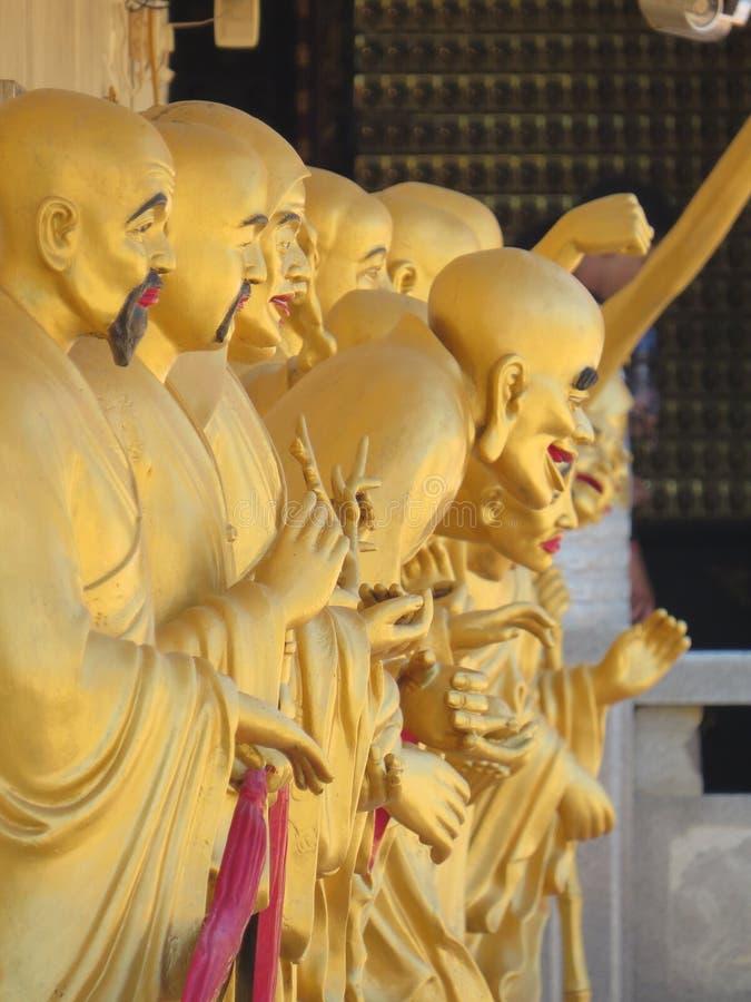 Statues 10000 Bouddha monastry images stock