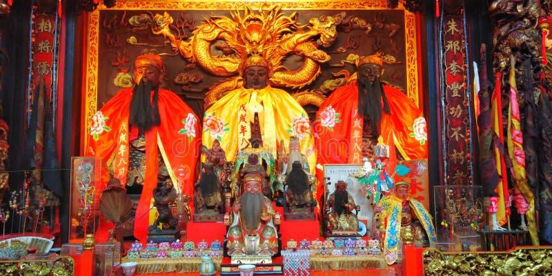 Statues chinoises de temple des divinités photographie stock