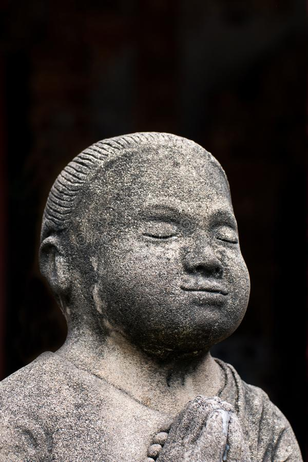 Statues concrètes de vintage en Wat Chai Mongkon - temple bouddhiste, images libres de droits