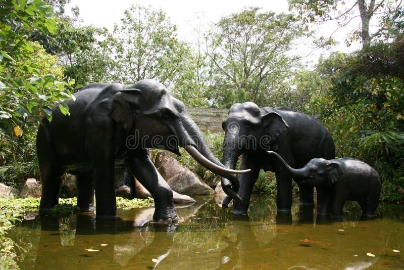 Statues d'éléphant - zoo de Singapour, Singapour image stock