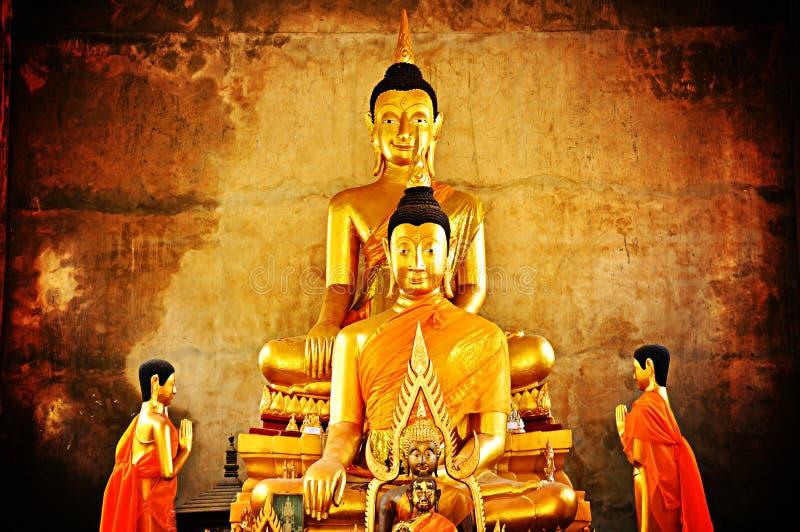 Statues d'or de Bouddha photos libres de droits