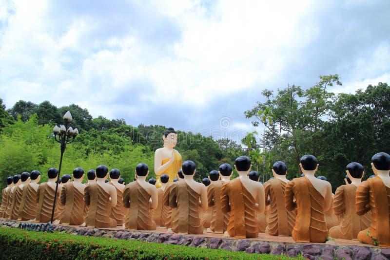 Download Statues de Bouddha photo stock. Image du bouddha, image - 56486346