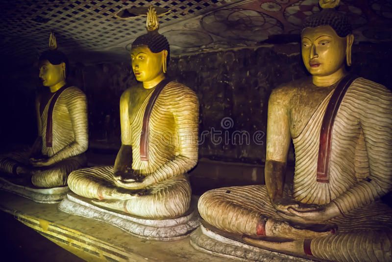 Statues de Bouddha dans le temple de Dambulla Sri Lanka image libre de droits