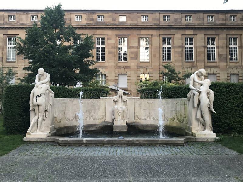 Statues de jardin photos libres de droits