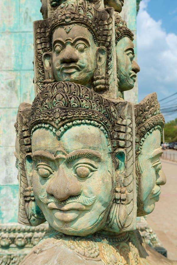Statues de Khmer dans le temple dans Siem Reap, Cambodge photographie stock