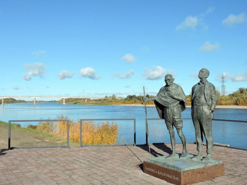 Statues de Mahatma Gandhi et de Hermann Kallenbach photos stock