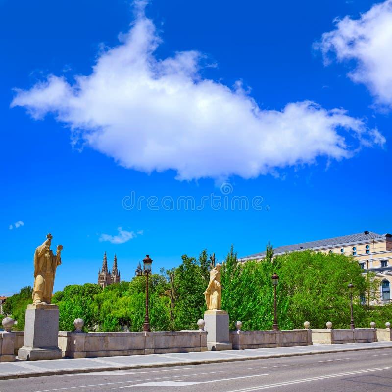 Statues de pont de Burgos San Pablo sur la rivière d'Arlanzon images libres de droits