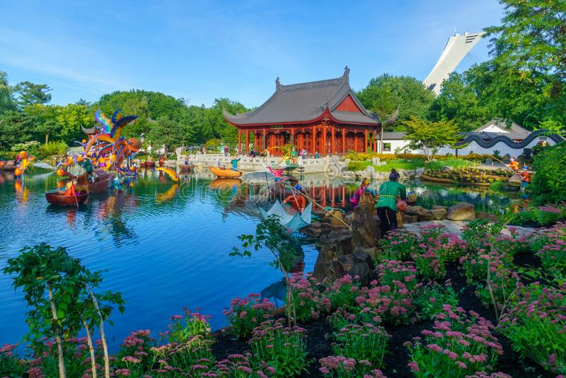 Statues de style de Chines dans les jardins botaniques, à Montréal photos libres de droits