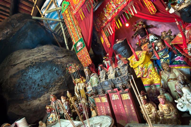 Statues des dieux chinois sur l'autel principal de Hung Shing Temple, Wan Chai, Hong Kong photographie stock