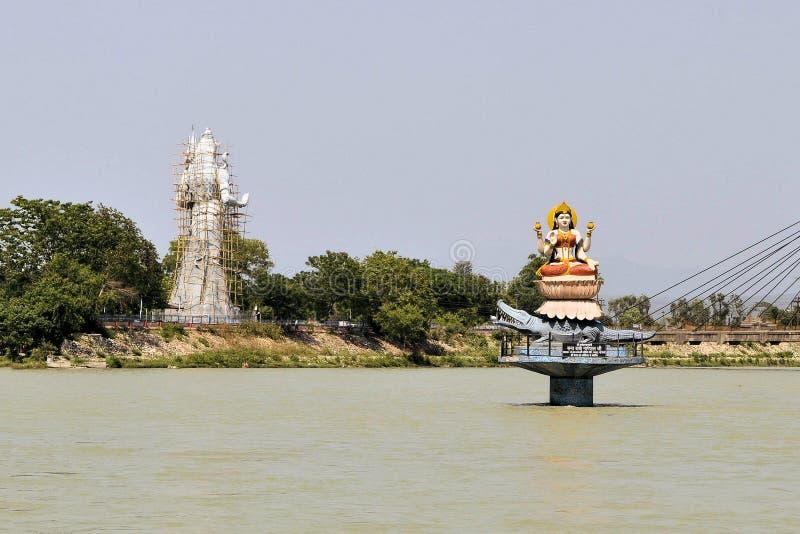 Statues des dieux indous Ganga et Shiva dans Haridwar images libres de droits