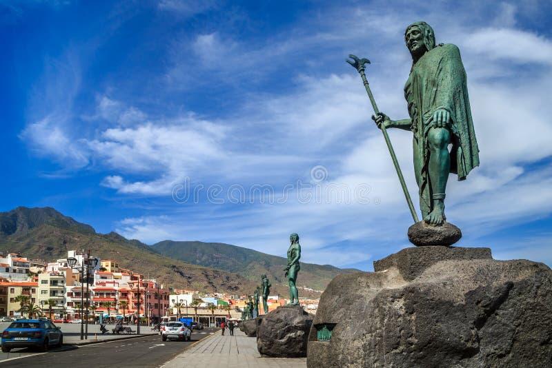 Statues en bronze des rois de Guanche à Candelária photographie stock libre de droits