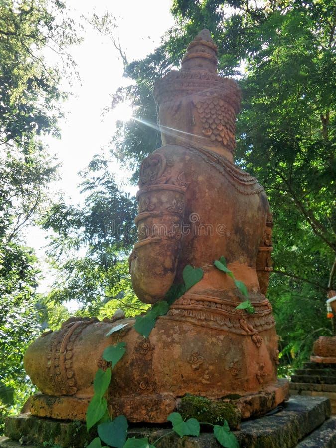 Statues en pierre d'ange gardien photos libres de droits