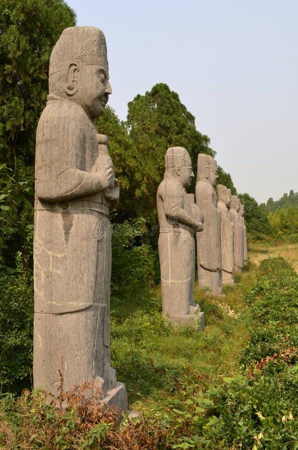Statues en pierre des honorables aux tombes de dynastie de chanson photographie stock libre de droits