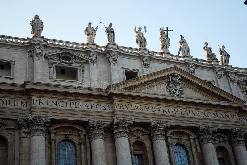 Download Statues On Historic Building Stock Image - Image of engraved, statues: 1444847