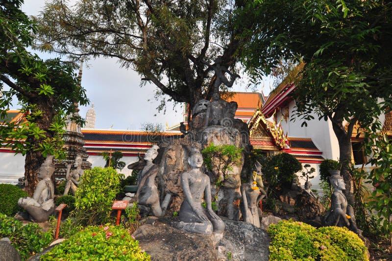 Statues thaïlandaises d'exercice d'ermite chez Wat Pho, Bangkok, Thaïlande photo stock
