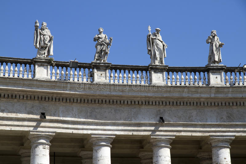 Download Statues Over St Peters Square Stock Photo - Image: 30047812