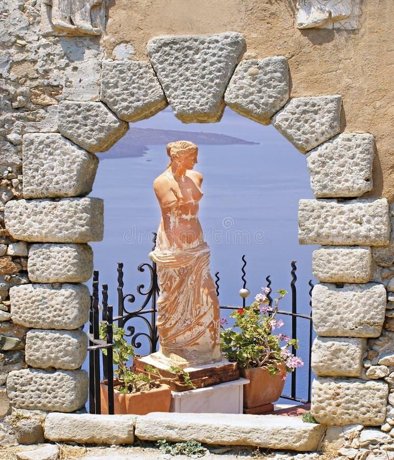 Statutue del Aphrodite nell'isola di Santorini immagini stock libere da diritti