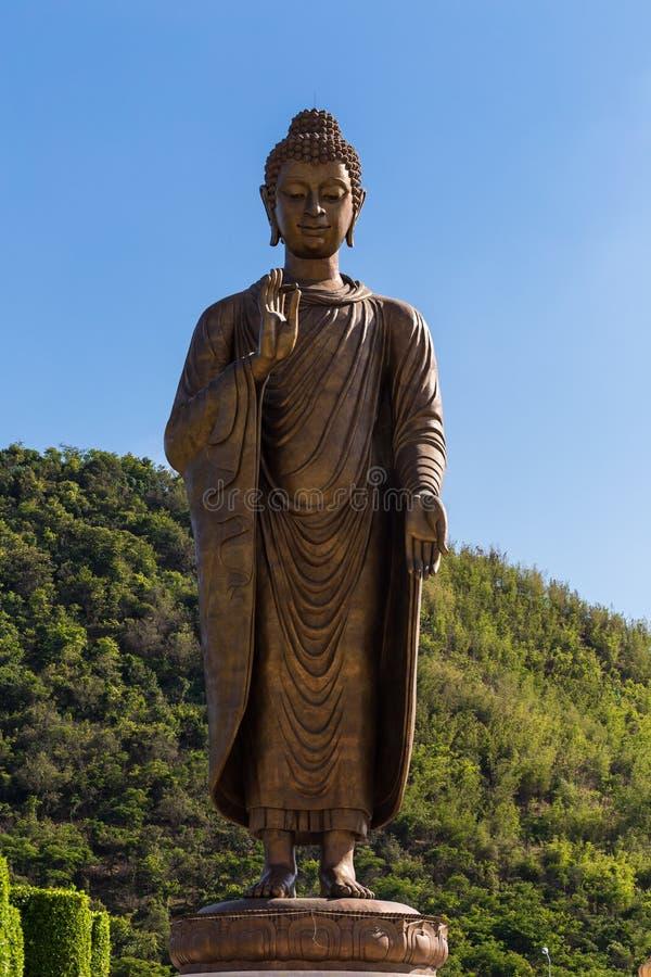 Statuy Buddha przy thipsukhontharam w Thailand obrazy royalty free