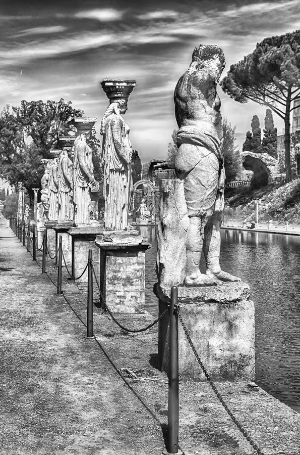 Statuy Caryatides przy willą Adriana, Tivoli obrazy royalty free