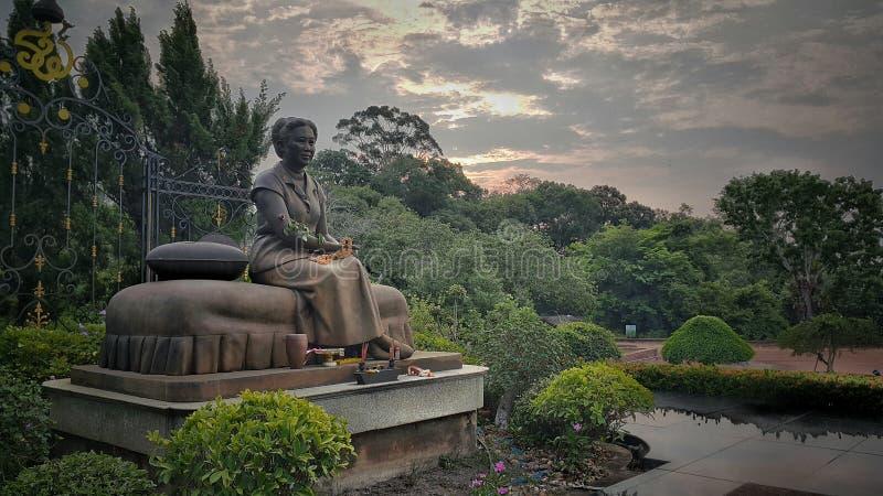 Statuy królowa królewiątka rama 7 zdjęcia royalty free