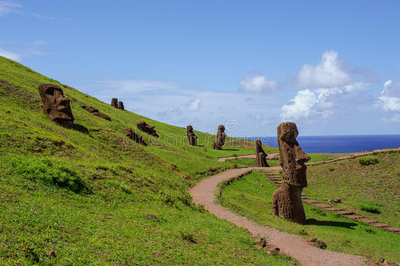 Statuy na Isla De Pascua Rapa Nui wielkanoc wyspę zdjęcie stock