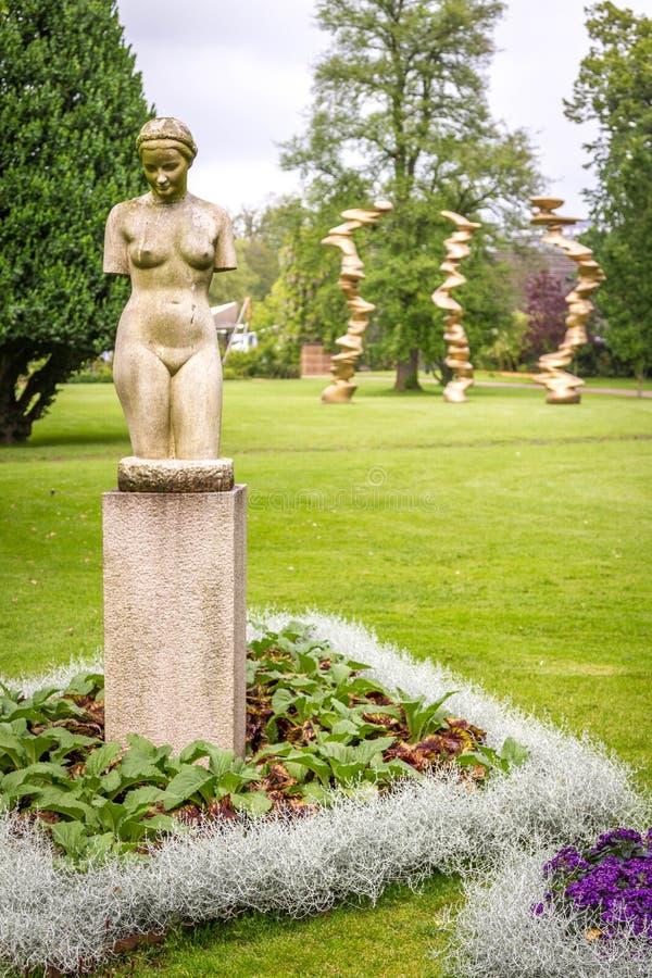 Statuy w ogródzie botanicznym ogrodowy skojarzenie, Gothenburg fotografia stock