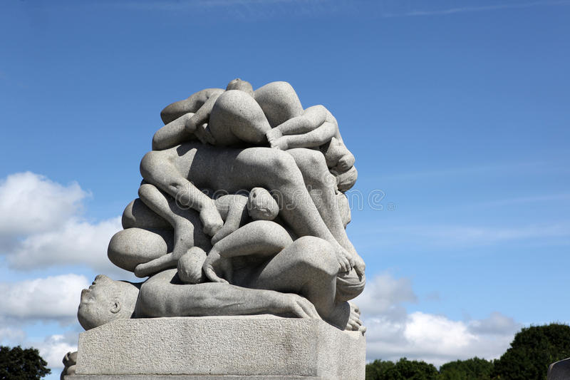 Statuy w Vigeland parku w Oslo obraz royalty free